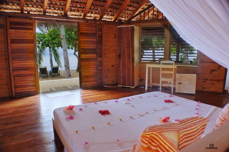 http://www.anjiamarango-beach-resort.com/wp-content/uploads/bungalows-nosybe.jpg