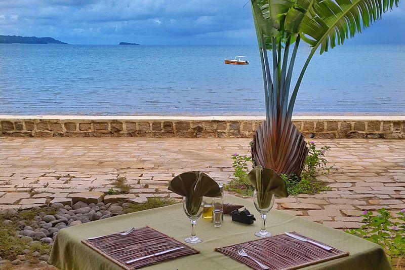 http://www.anjiamarango-beach-resort.com/wp-content/uploads/restaurant-5.jpg